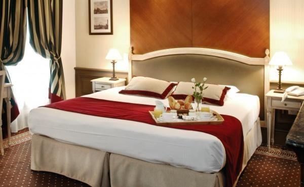 Hotel Trocadero La Tour - Guest room